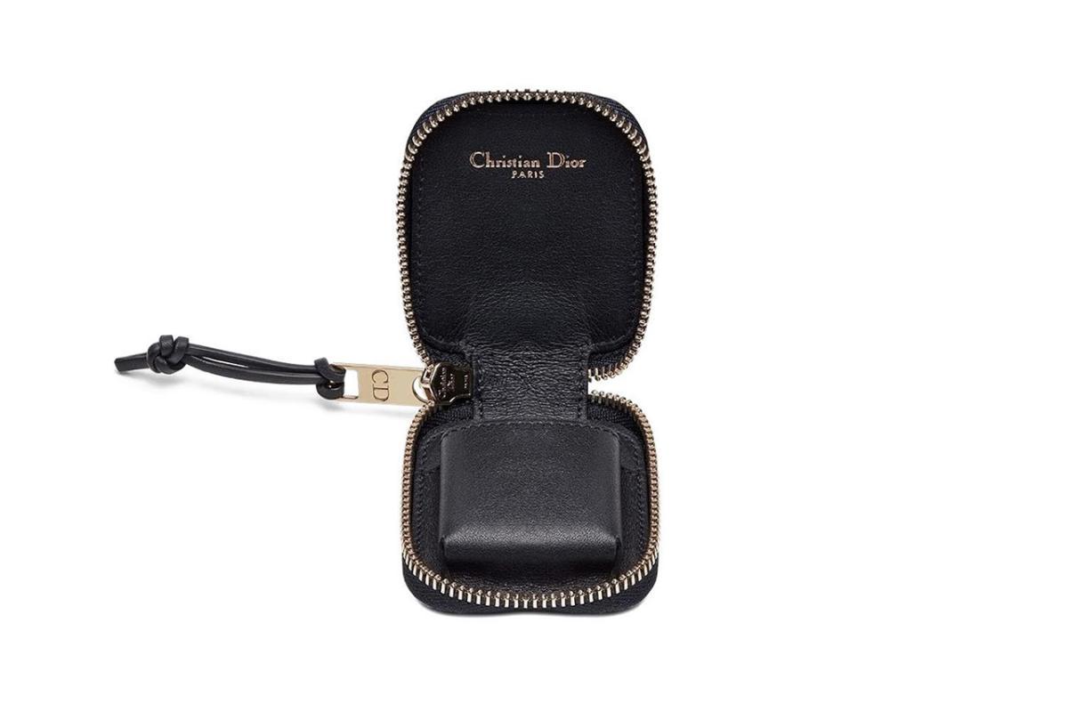 dior-luxury-oblique-airpod-case-02