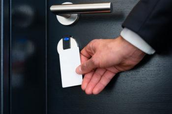 hotel-room-key