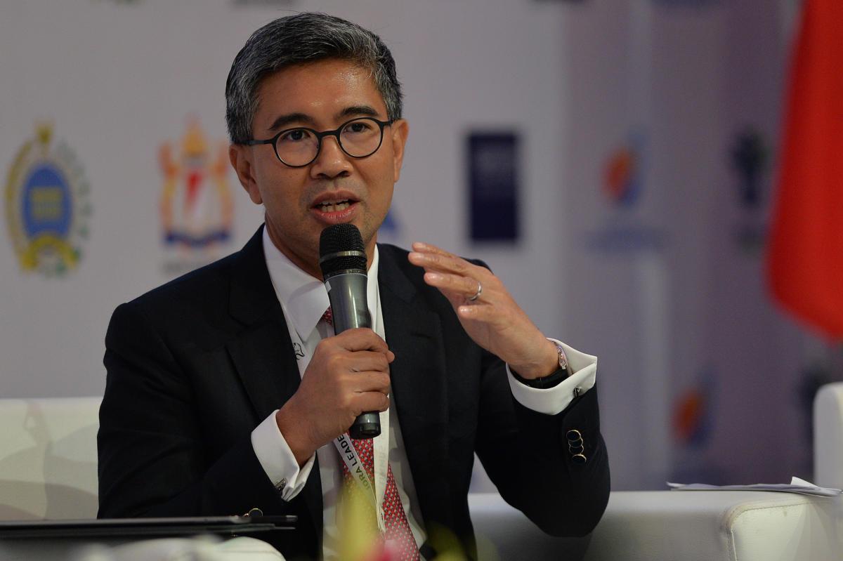 CEO CIMB Group Malaysia Tengku Dato Sri Zafrul Abdul Aziz menjadi pembicara dalam sesi diskusi kedua Indian Ocean Rim Assosication (IORA) Business Summit di Jakarta Convention Centre, Senayan, Jakarta, Senin (6/3)