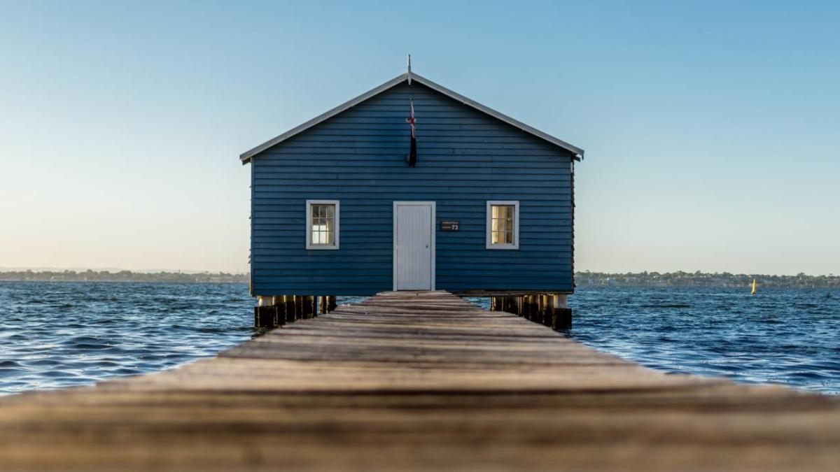 perth-blue-boat-shed