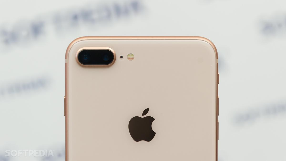 no-iphones-don-t-have-to-be-cheap-to-sell-like-hotcakes-528997-2