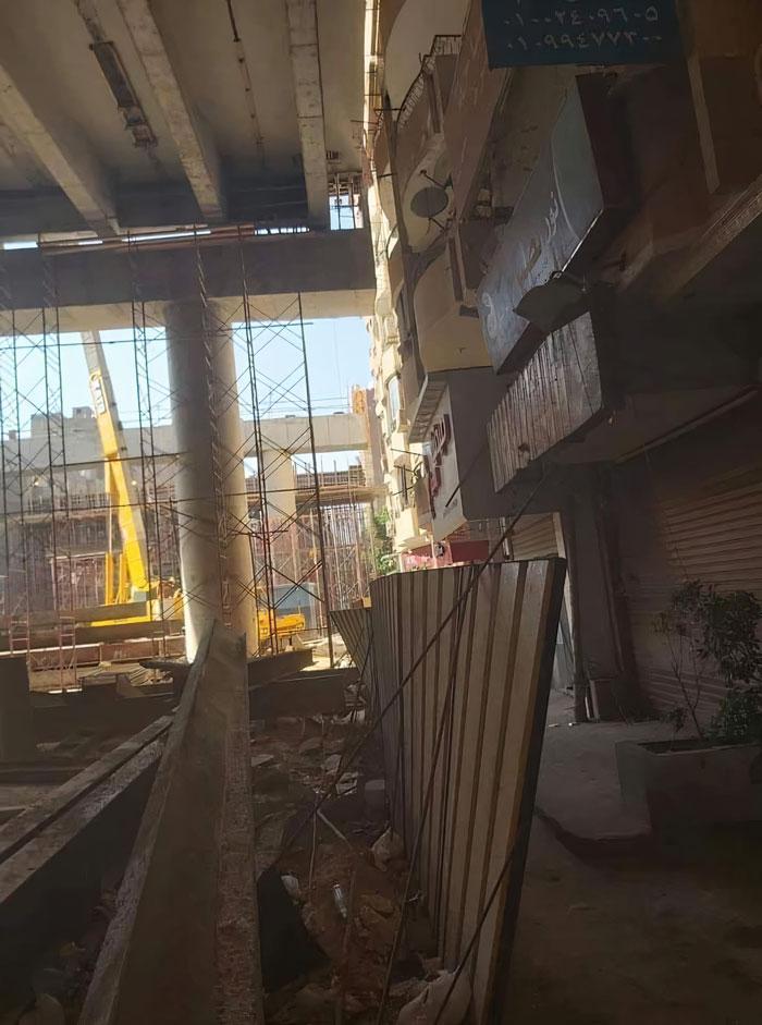 highway-bridge-centimeters-away-residential-area-3-5ebbda3c8de84__700