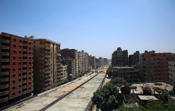 highway-bridge-centimeters-away-residential-area-5-5ebbda4102605__700