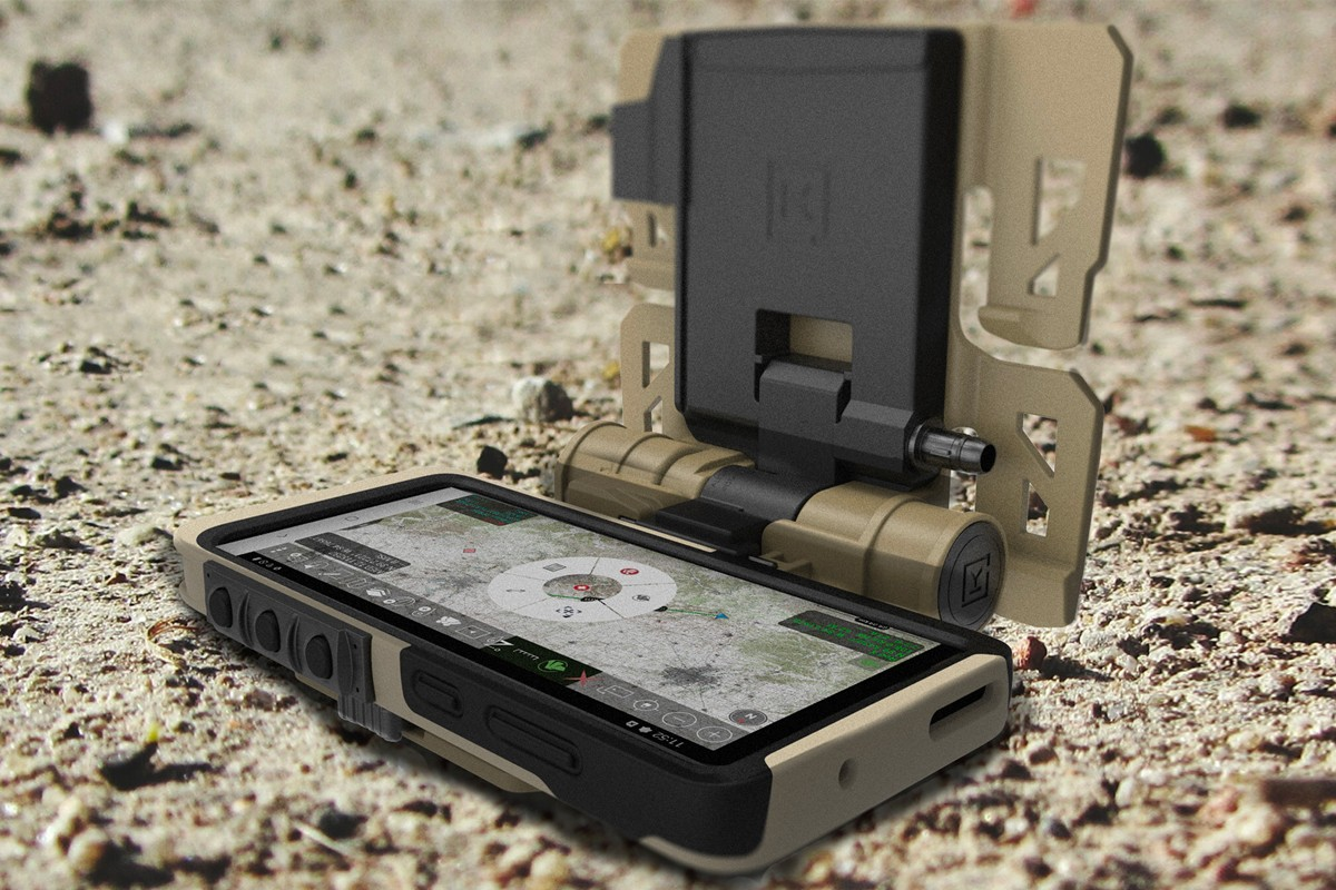 https___hypebeast.com_image_2020_05_samsung-galaxy-s20-tactical-edition-military-info-001