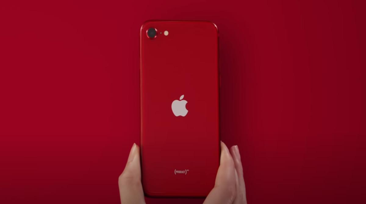 iPhone-SE-FB