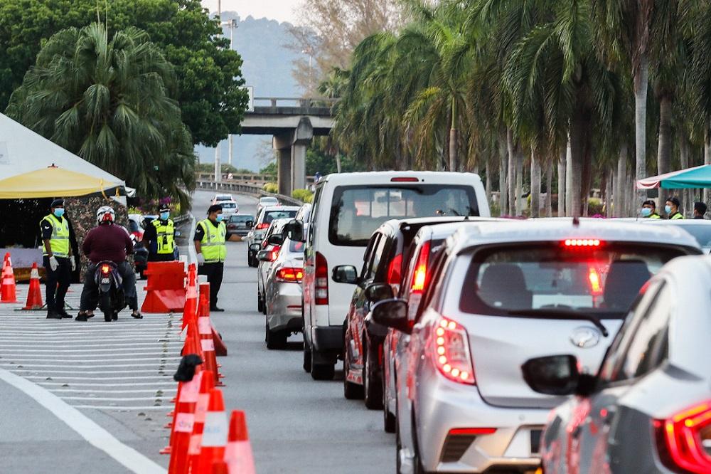 roadblock_penang_mco_200420