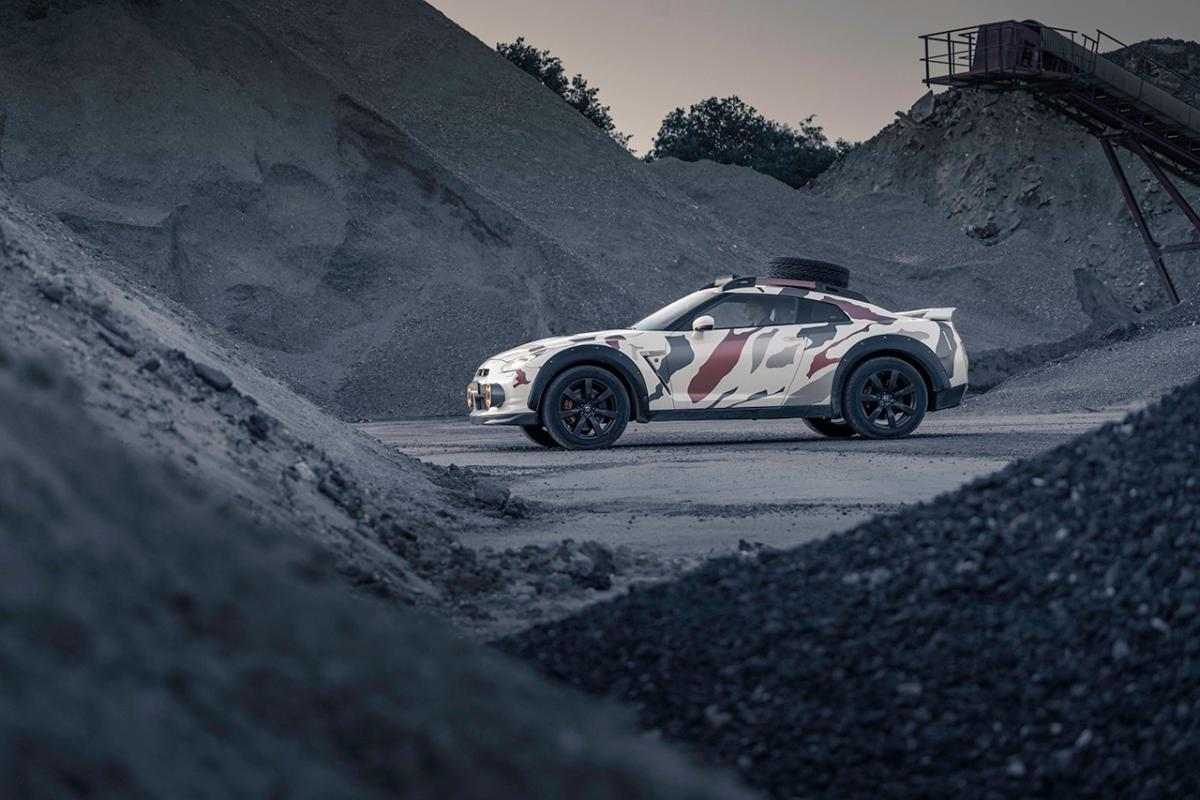 https___hypebeast.com_image_2020_07_nissan-gt-r-offroad-godzilla-2-r35-4wd-japanese-supercar-camouflage-tuned-for-sale-2