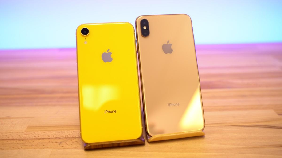29020-46268-Yellow-XR-vs-Gold-XS-Max-xl