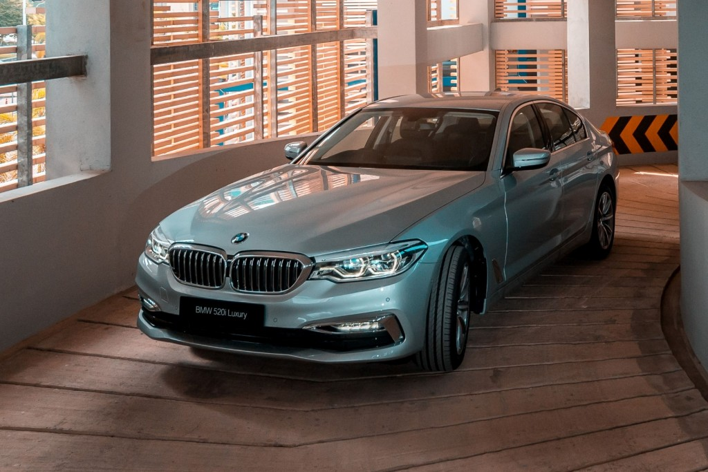 BMW-520i-Luxury-01-1024×683