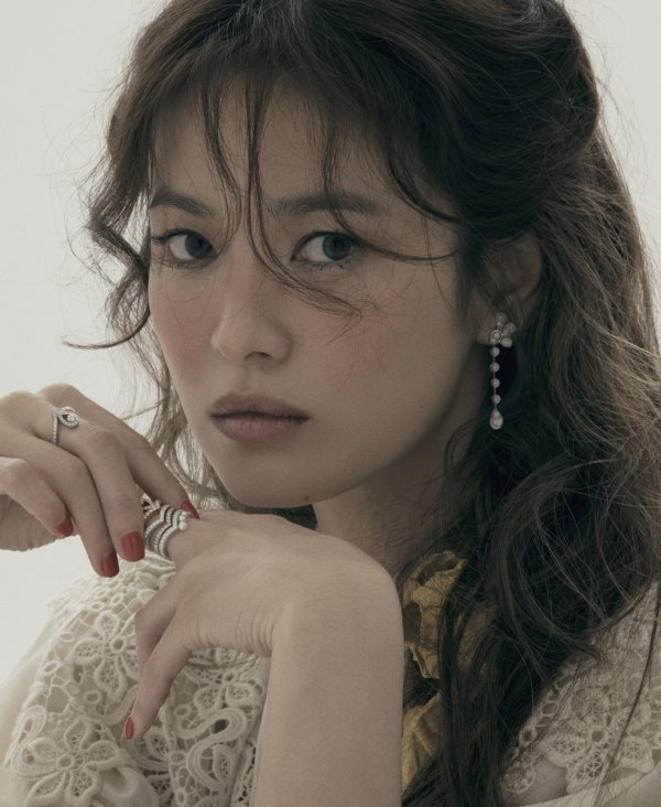 1588265895-song-hye-kyo