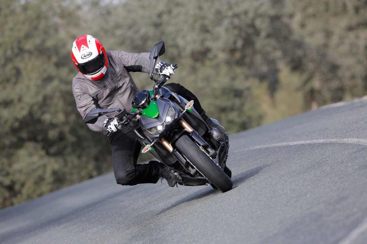 1z1000-action-6