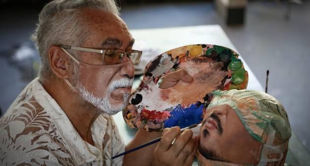 90330121_RI-Rio-de-Janeiro-RJ-02-11-2020-Jorge-Roriz-e-artista-plastico-e-faz-sucesso-com-mascar