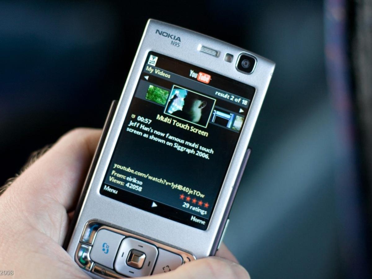 Iconic–Revolutionary-Camera-Phones-1200x900_5f4a066b6d221_1200x900