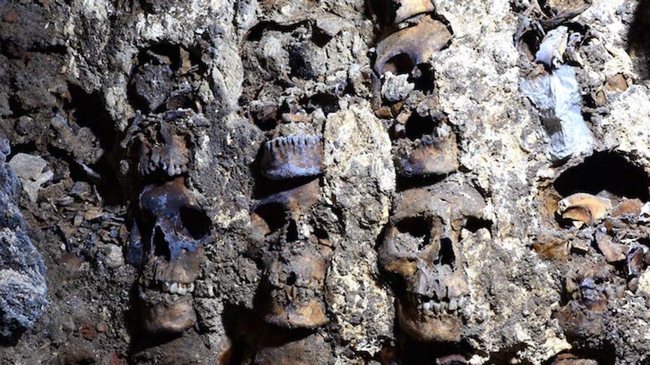 Skull-Tower-Mexico-Dec12