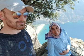 suami-ini-selfie-dengan-istri-hamil-lalu-mendorongnya-dari-tebing-1000-kaki-qoo