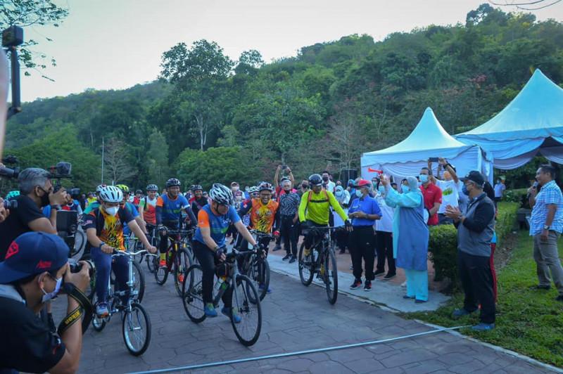 zuraida_kamaruddin_biycle_race_-_zuraida_kamaruddin_fb_pic