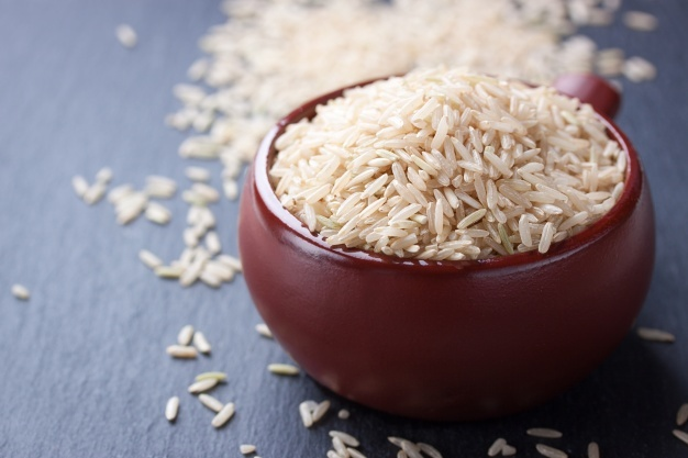 uncooked-bowl-rice_1220-185
