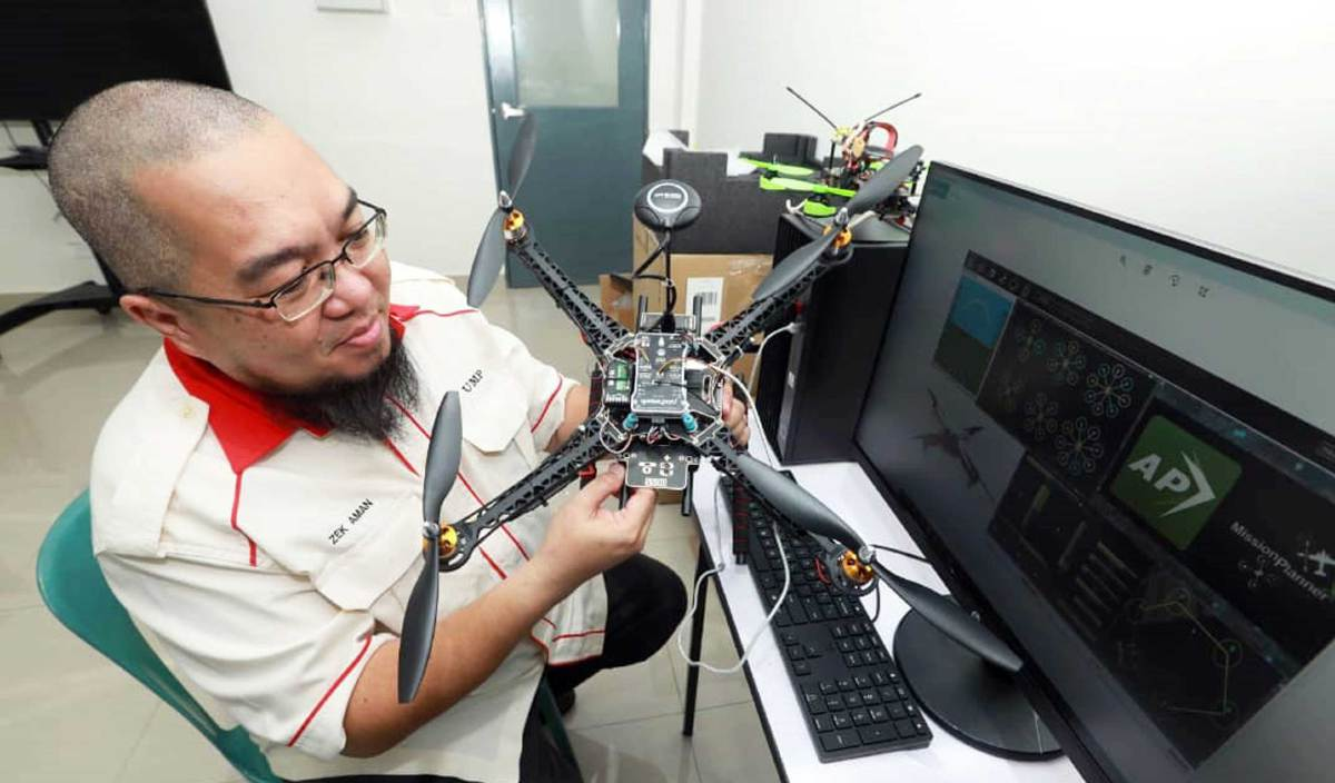 vocket-pemandu-ump-hasilkan-dron-2
