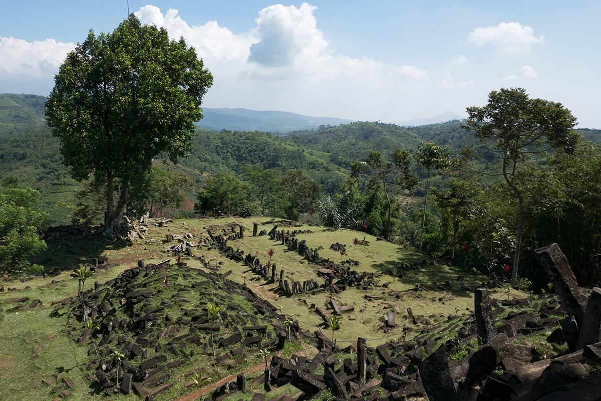 Gunung-Padang-Java-11-1200