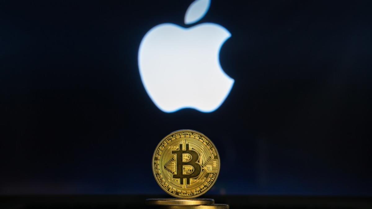 Apple-Should-Take-a-Bite-Out-of-Bitcoin