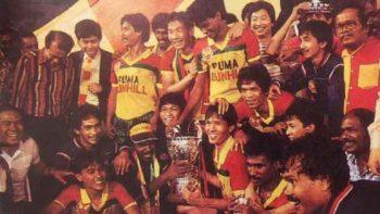 Ristomoyo bersama Selangor FA saat menjuarai Piala Malaysia 1986. (Dok pribadi Ristomoyo).