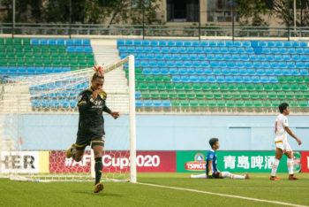 Selebrasi Jordan Webb usai menjebol gawang PSM Makassar. (Foto: AFC).