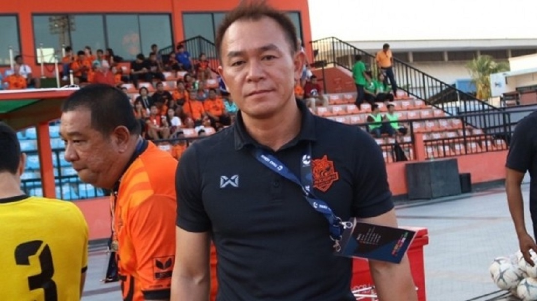 Pelatih Prachuap FC, Thawatchai Damrong-Ongtrakul. (Foto: Siamsport).
